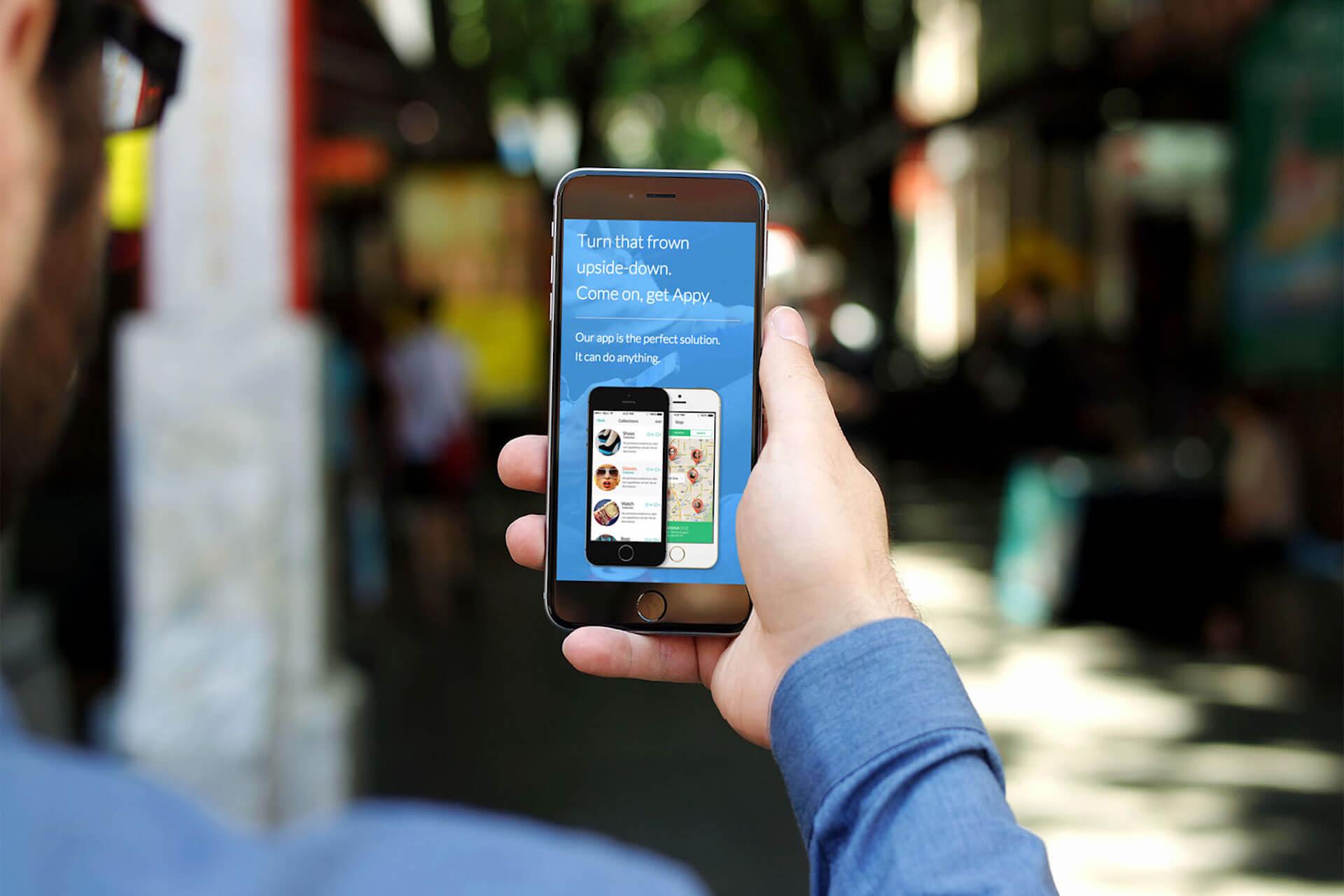 苹果Apple Card实体卡展示,外观简洁钛合金制作重要信息存于电子钱包,支付返现